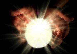 Energie zwischen den Händen